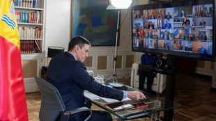 El Presidente del Gobierno Pedro Sánchez, durante una...