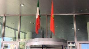 La bandera del Cavallino, izada en Maranello