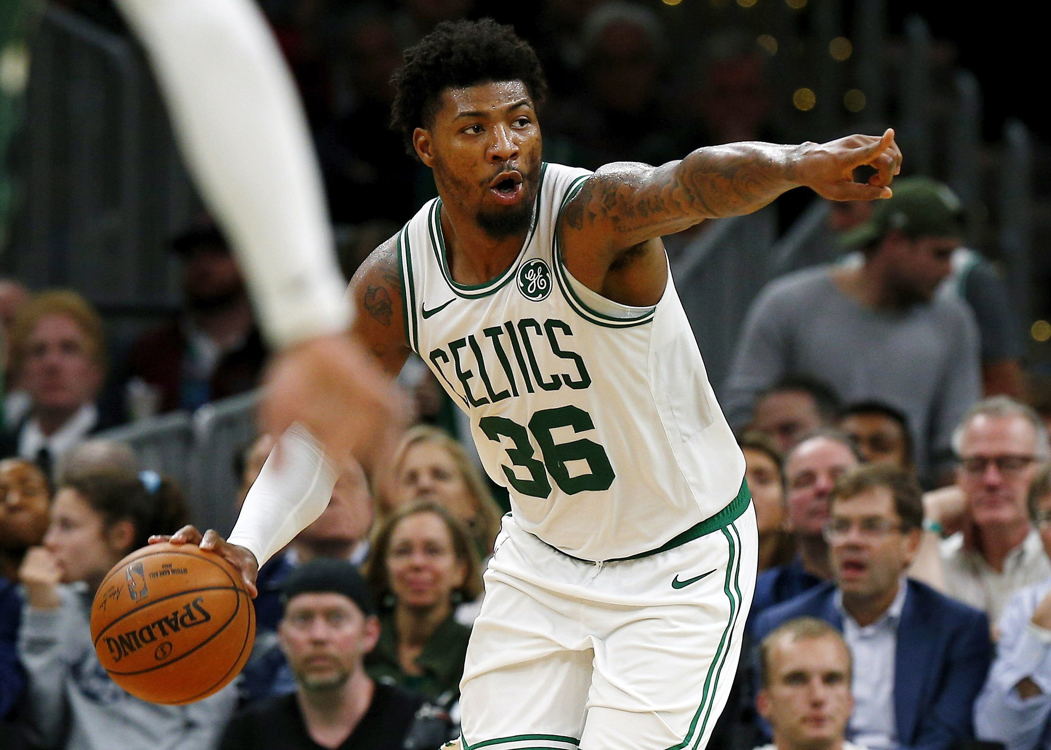 Boston (United States), 31/10/2019.- (FILE) - Boston Celtics guard Marcus Smart gestures during the second quarter against the Milwaukee Bucks at the TD Garden in Boston, Massachusetts, USA, 30 October 2019 (Reissued 19 March 2020). Boston Celtics guard Marcus Smart has announced that he tested positive for the COVID-19 coronavirus. The lt;HIT gt;NBA lt;/HIT gt; season was suspended on 11 March due to the coronavirus pandemic. (Baloncesto, Estados Unidos) EFE/EPA/CJ GUNTHER SHUTTERSTOCK OUT *** Local Caption *** 55590371