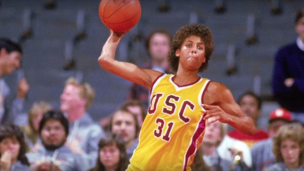 Cheryl Miller en un partido con la USC
