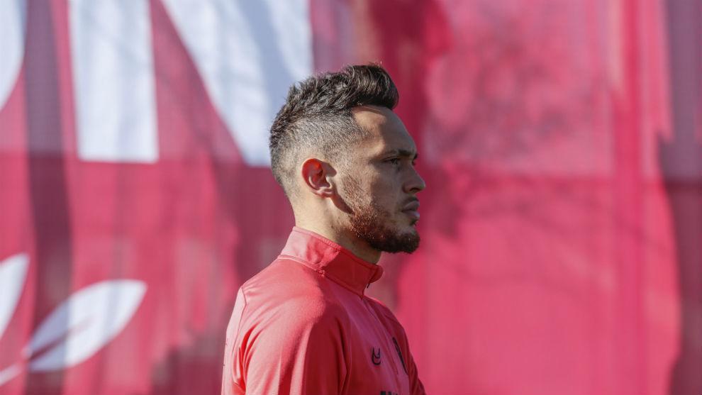 Lucas Ocampos (25), en un entrenamiento del Sevilla.