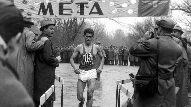 Mariano Haro se impone en el Campeonato de España de Cross de 1963...