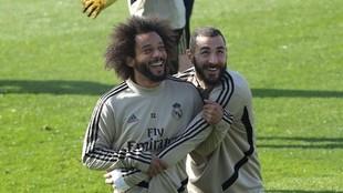 Marceo y Karim, durante una sesión del Madrid en Valdebebas
