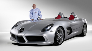Sir Stirling Moss con el Mercedes-Benz SLR Stirling Moss