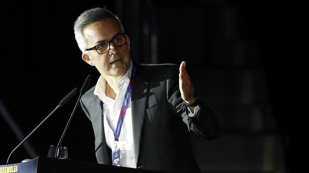 Víctor Font dirigiéndose a los socios en la última asamblea.