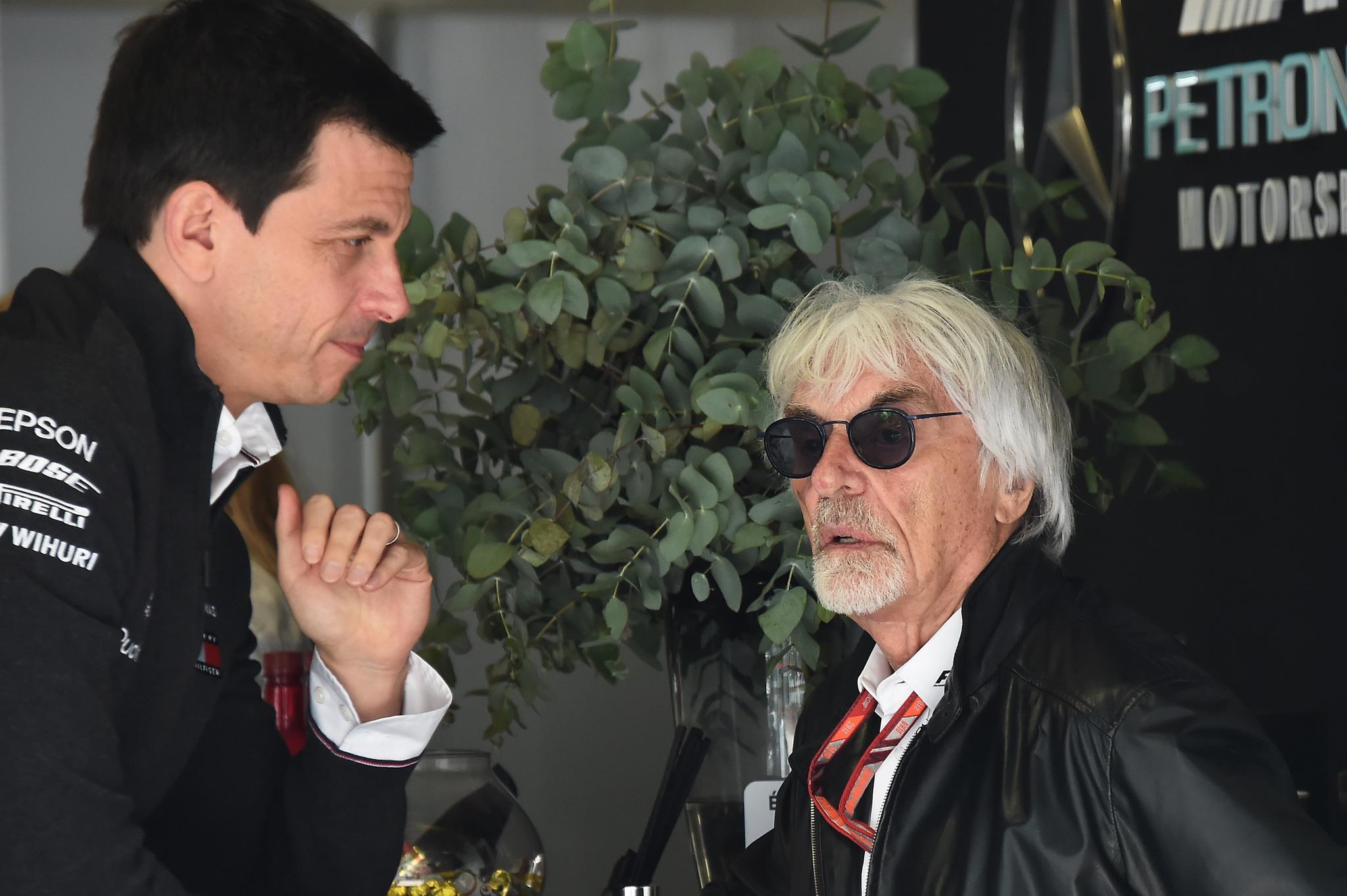 Toto Wolff, Director de Motorsport, Mercedes AMG F1 y Bernie lt;HIT gt;Ecclestone lt;/HIT gt;. Gran Premio de Brasil 2018. 20ª prueba del mundial. Autodromo Jose Carlos Pace, Brasil. Sabado 10 de Noviembre 2018. *** Local Caption *** RUBIO
