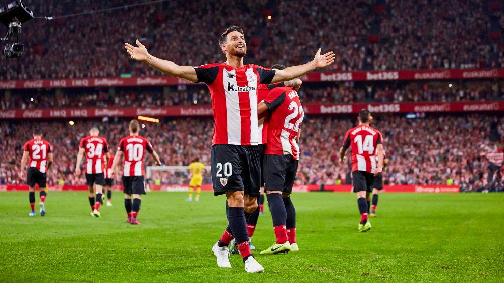 Aduriz celebra el gol que marcó al Barcelona en la primera jornada de...