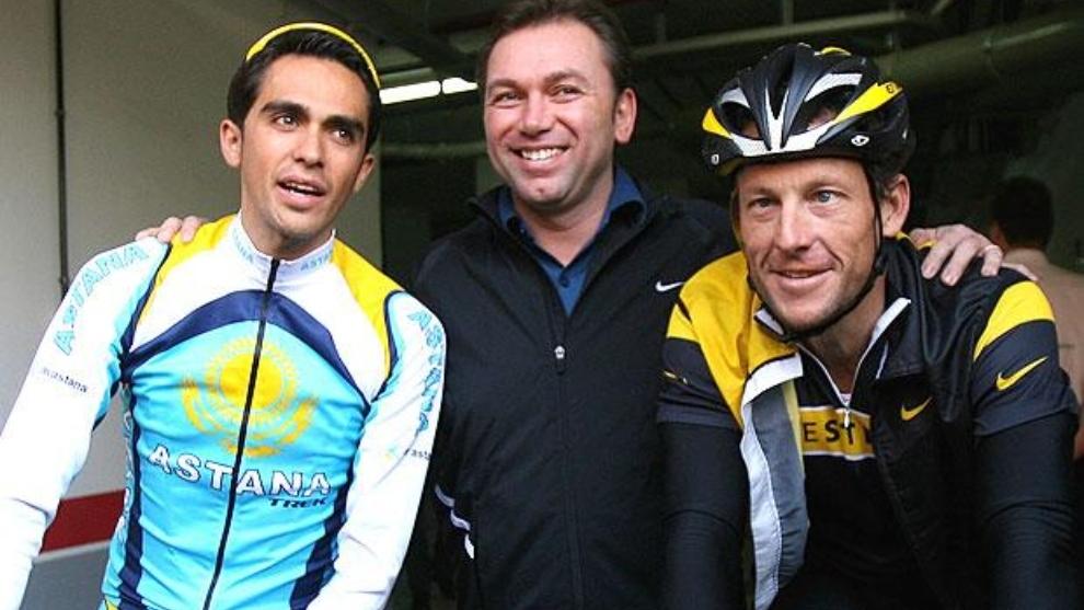 Contador, Bruyneel y Armstong en una imagen de archivo