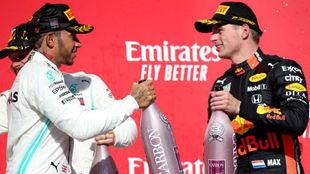 Hamilton y Verstappen, en el podio de Texas 2019.