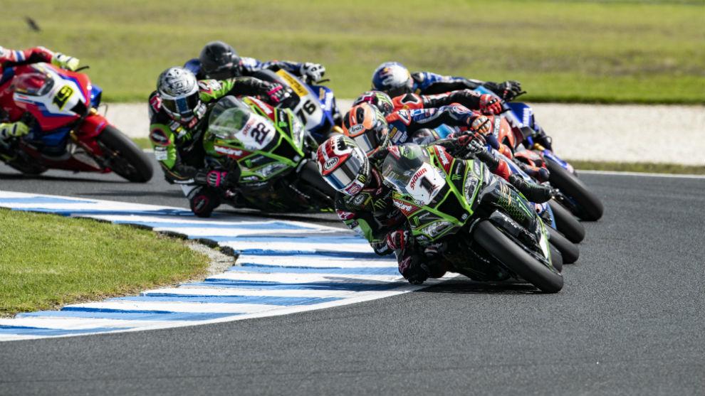 Rea lidera en Australia en Superbike.