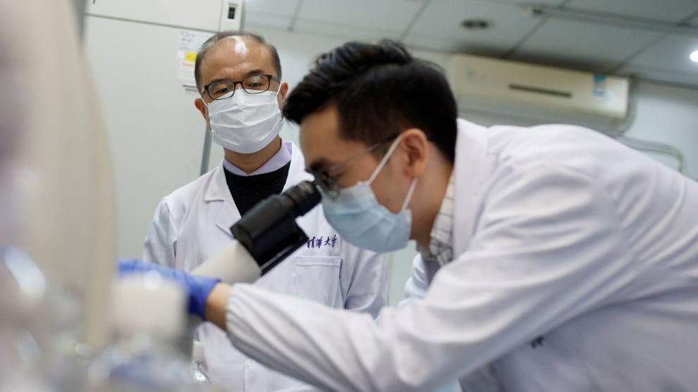 China prueba dos vacunas contra el COVID-19