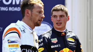 Button y Verstappen, durante el Gran Premio de Mónaco 2017.
