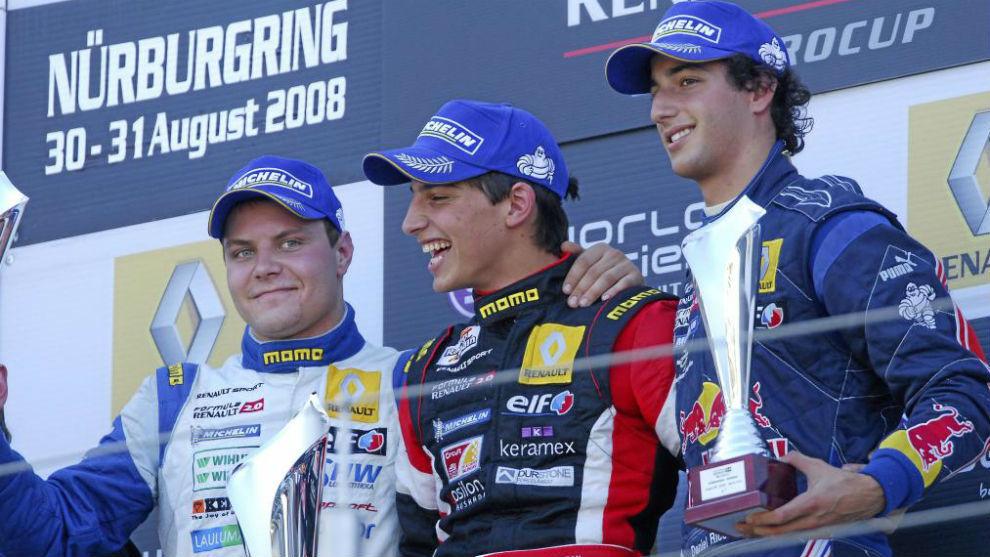 Merhi, en el podio como ganador junto a Bottas y Ricciardo, dos...