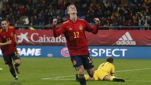 Dani Olmo con la camiseta de la Selección Española.