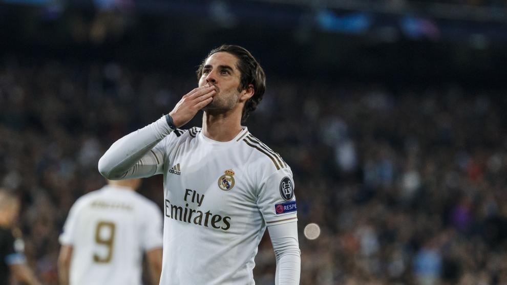 Isco celebra un gol en el Bernabéu