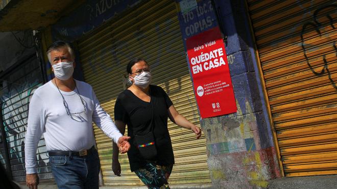 Personas con cubrebocas en la Ciudad de México.