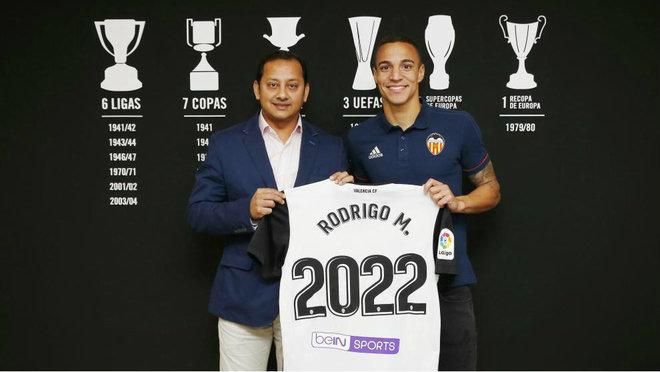 Rodrigo, junto a Murthy, renovó su último contrato en noviembre de...