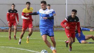 Airam Cabrera, en un entrenamiento del Extremadura de esta temporada