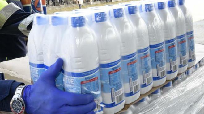 Una lechería de Wisconsin regala más de mil litros al día durante...