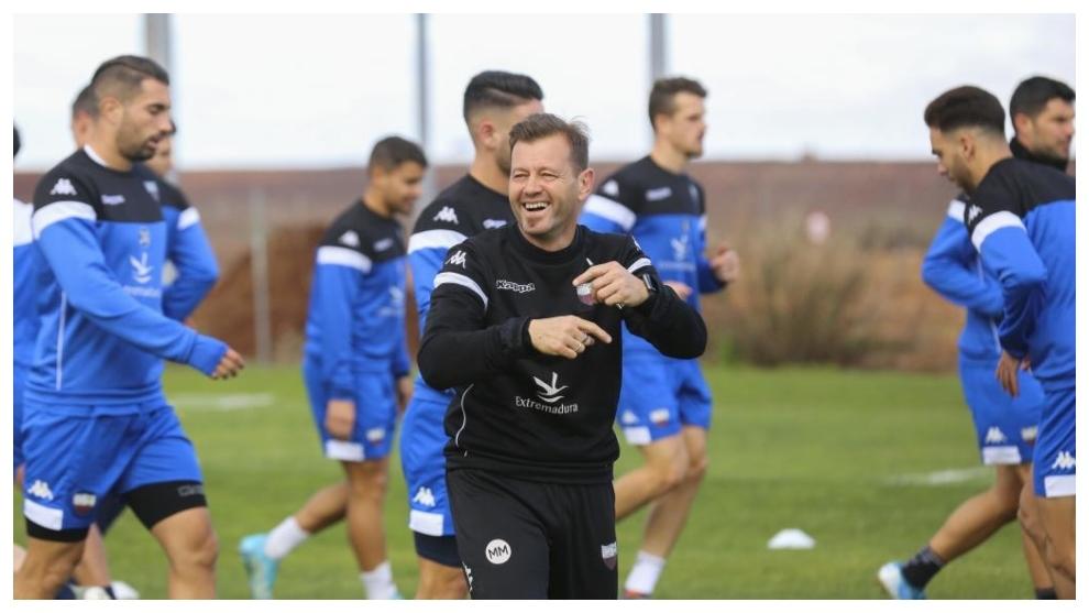 Manuel, muy sonriente, durante un entrenamiento