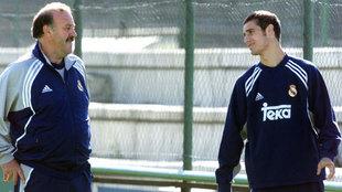 Del Bosque, con Iván Helguera en la Ciudad Deportiva