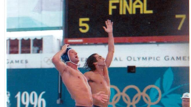Manel Estiarte y Pedro García celebran el triunfo en la final de...