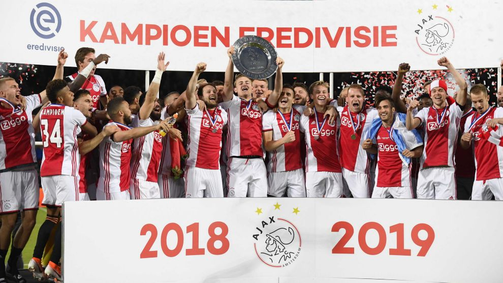 Dutch top flight likely over after ban extended