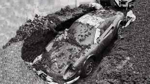 El Dino 246 GTS se veía bastante entero cuando fue desenterrado.