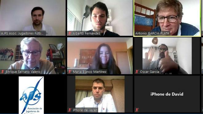 Imagen de la reunión telemática de la AJFS con los medios.