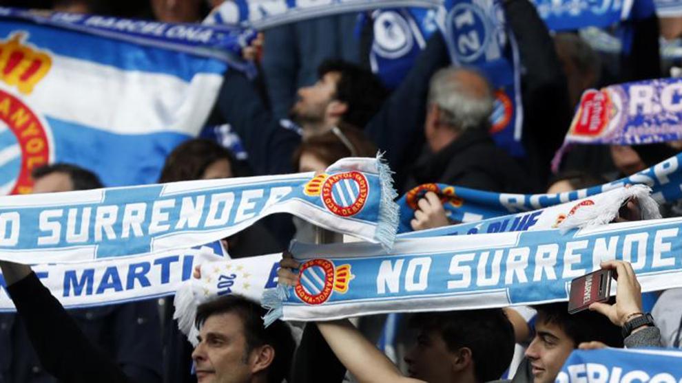 Los aficionados del Espanyol, en el partido contra el Atlético de...