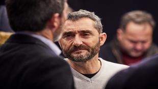Ernesto Valverde, con gesto serio, el pasado febrero en un acto en...