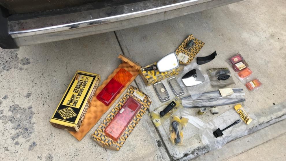 Palaghita compra los recambios a su mecánico de cabecera, ex...
