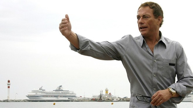 Jean-Claude van Damme aporta durante esta cuarentena por el COVID-19.