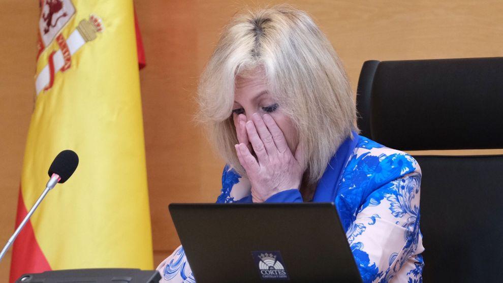 La consejera de Salud de Castilla y Leon llora al recordar a los...