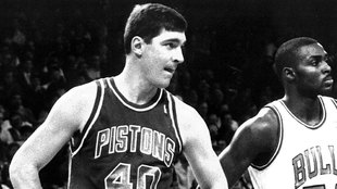 Bill Laimbeer y Horace Grant en un partido entre Pistons y Bulls