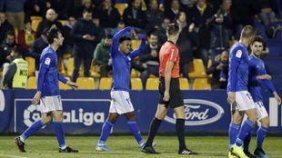 Yoel Bárcenas celebra su gol con el Oviedo en Santo Domingo