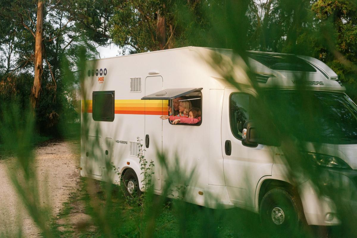 Caravanas, autocaravanas y furgonetas camperizadas; distintas opciones