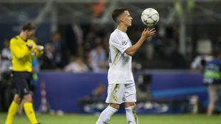 Lucas Vázquez, antes de tirar el penalti en la final de la Champions.
