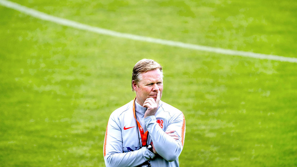 Netherlands coach Ronald Koeman undergoes heart procedure