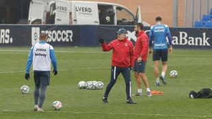 Javier Aguirre, durante un entrenamiento de esta temporada.