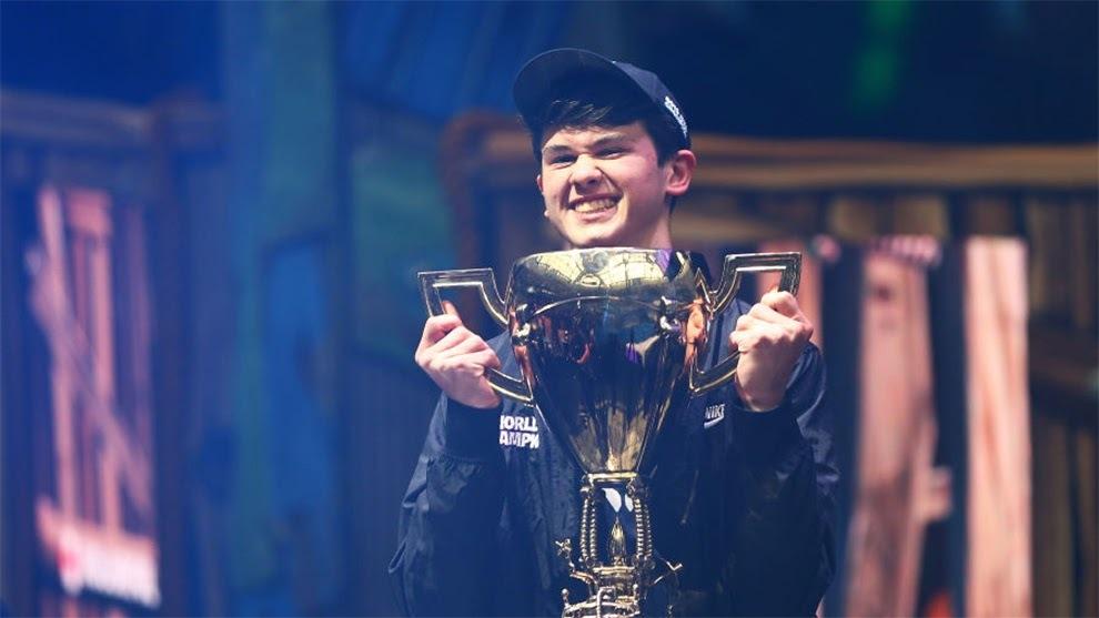 Tfue acusa al campeón de Fortnite de hacer trampas