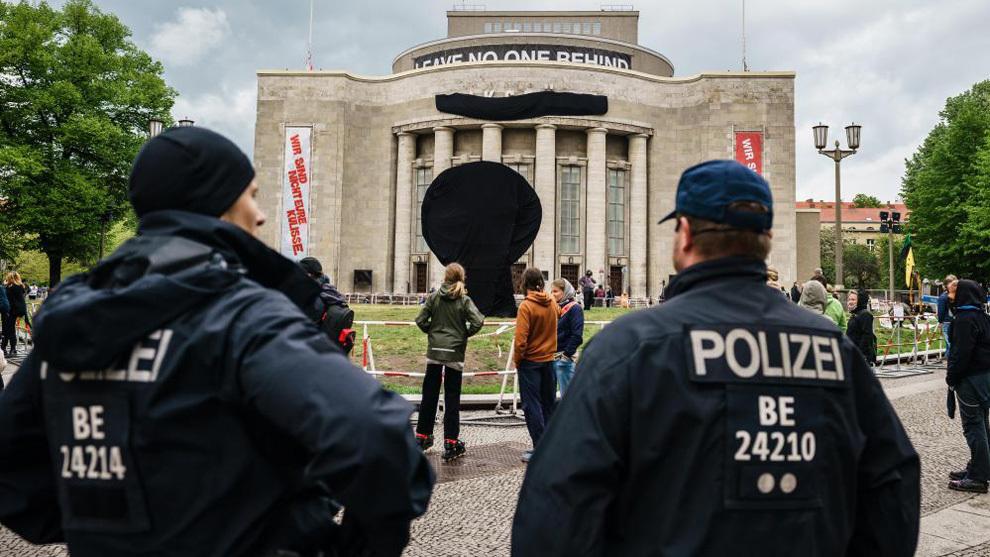 Dos policías en Berlín.