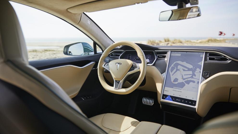 Interior del Tesla Model S Shooting Brake