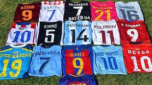 Las colecciones de camisetas de fútbol de las estrellas salen del...