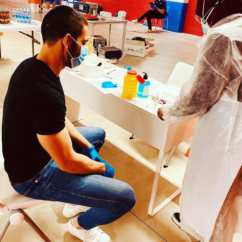 GRAFCAV5297. EIBAR (ESPAÑA), 06/05/2020.- El jugador de la Sociedad Deportiva Eibar, Pedro lt;HIT gt;Bigas lt;/HIT gt; ha acudido este miércoles a Ipurúa para someterse a los test médicos de detección del COVID-19 previos al inicio de los entrenamientos, previstos para el próximo sábado. EFE/SD Eibar SOLO USO EDITORIAL / NO VENTAS