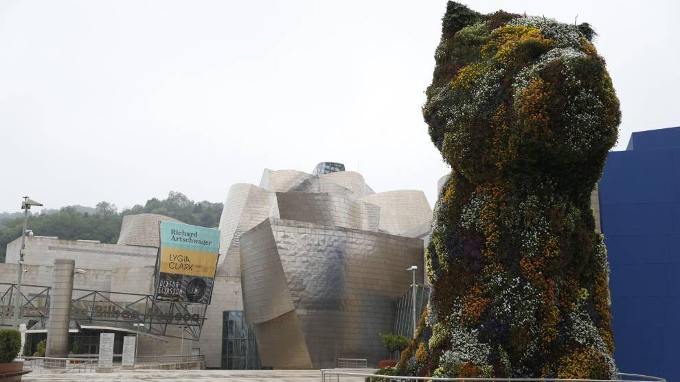 El museo Guggenheim de Bilbao podrá ser de los primeros en reabrir...