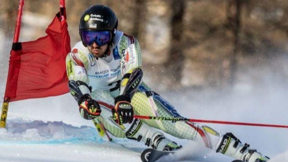 El esquiador Joan Verdú en carrera