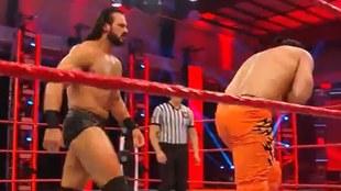 Drew McIntyre en su lucha con Andrade.