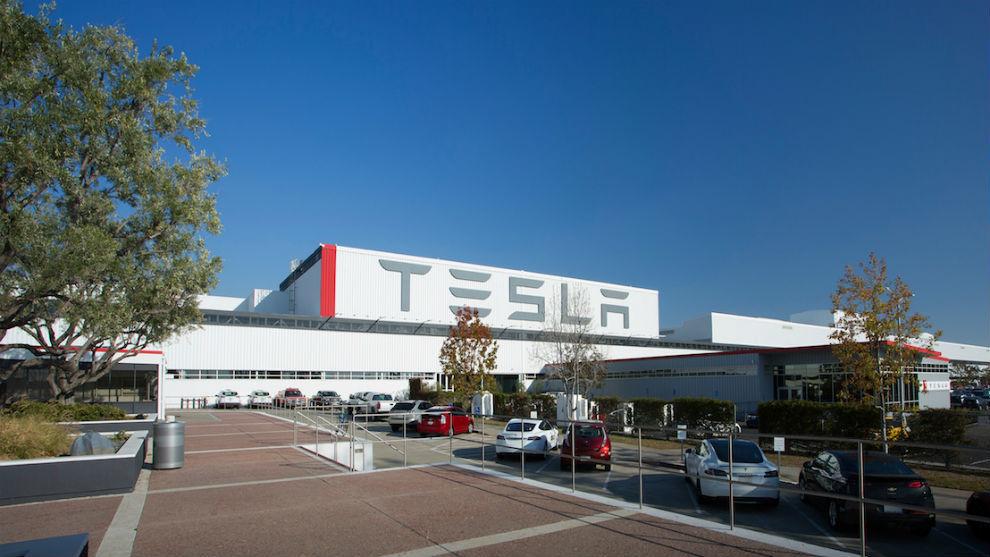 Una imagen de la fábrica de Tesla en Fremont (California).