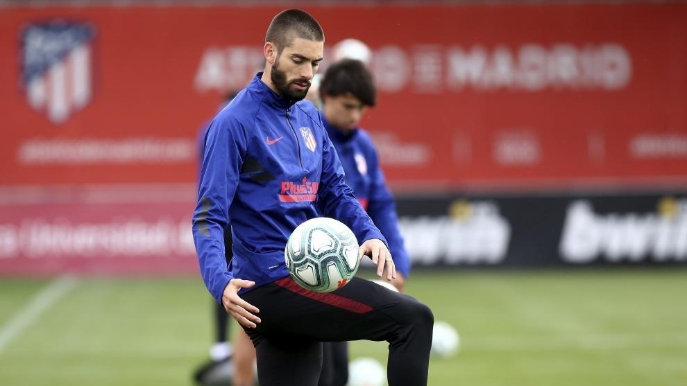 Carrasco, en un entrenamiento del Atlético.